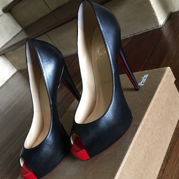 low priced f7ef2 c9c4a Christian Louboutin Open toe Vendome Pump